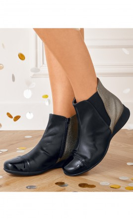 boots - OLESSE